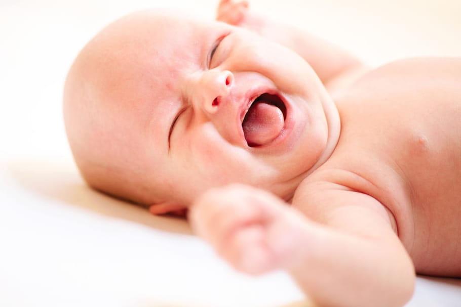 Coloriage Bebe Qui Pleure.4 Astuces De Papas Pour Calmer Les Pleurs De Bebe