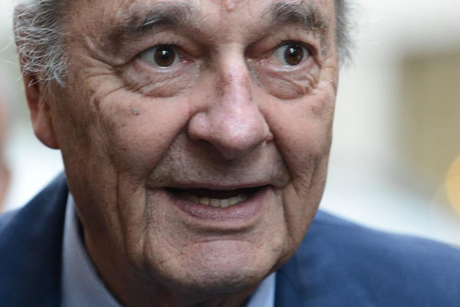 Mort de Jacques Chirac: sa famille dément, mais l'inquiétude demeure