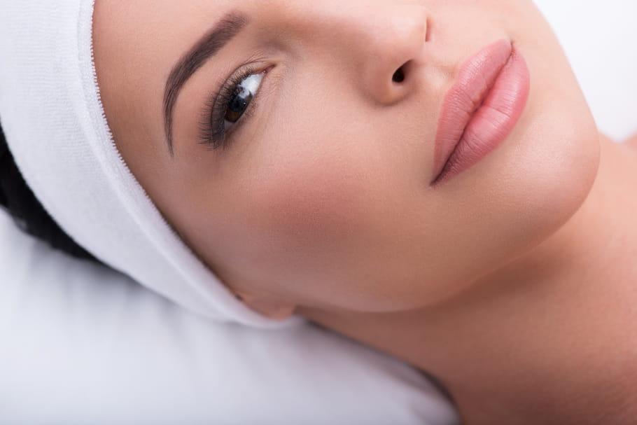 Sourcil permanent: technique, prix, entretien du maquillage permanent des sourcils