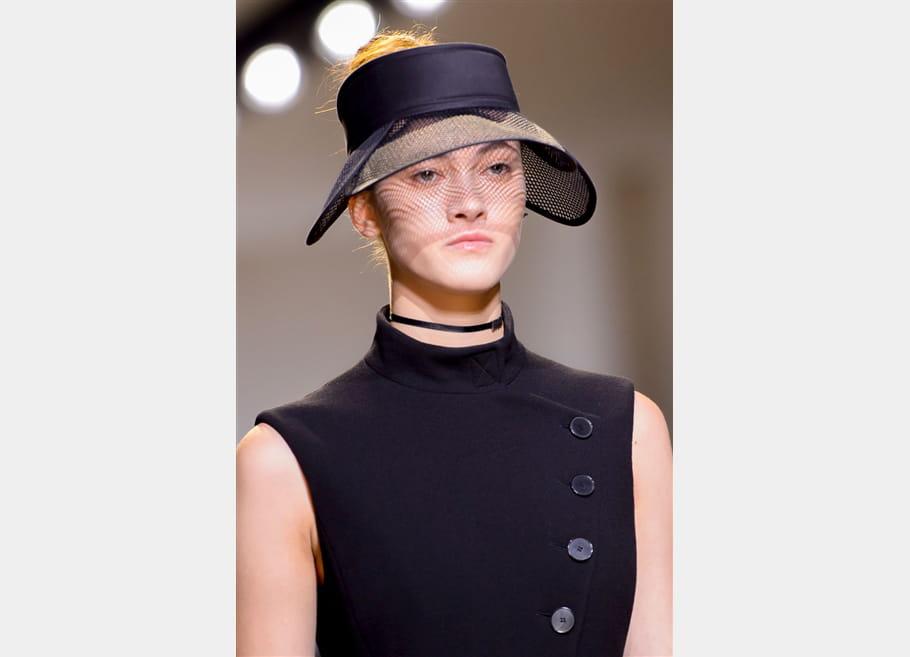 Christian Dior (Close Up) - photo 32