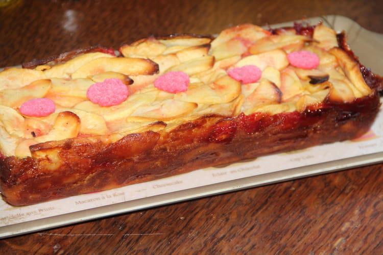 Cake invisible aux pommes et pralines roses