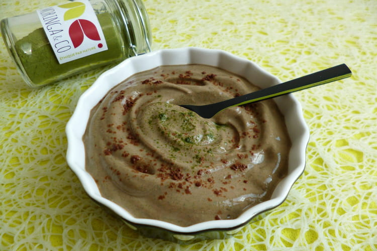 Crème dessert diététique végane moringa-cacao cru au soja