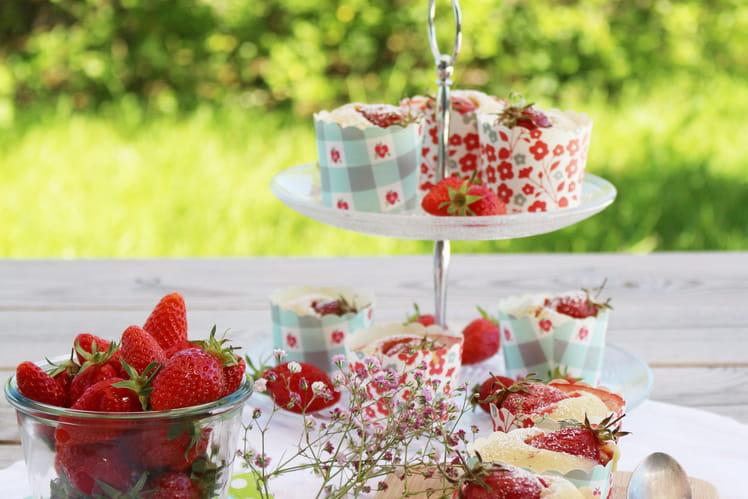 Petits moelleux à la vanille et aux fraises