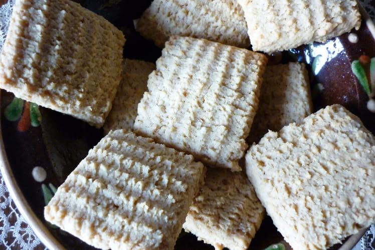 Biscuits aux amandes à la presse