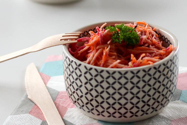 Salade râpée de radis red, carotte et pomme Granny