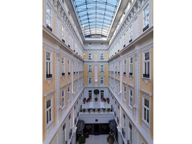 Les plus beaux hôtels de Budapest : la verrière du Corinthia