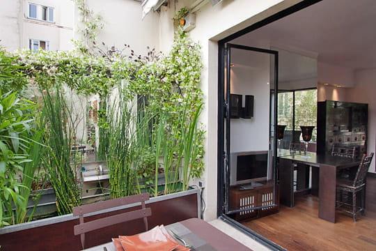 un 40 m avec deux terrasses de r ve. Black Bedroom Furniture Sets. Home Design Ideas