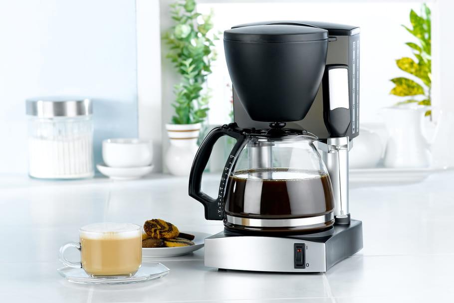 Comment nettoyer une cafetière encrassée facilement ?