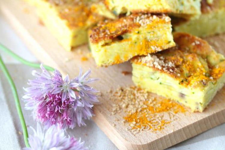 Gâteau de courgettes, curcuma et noisettes