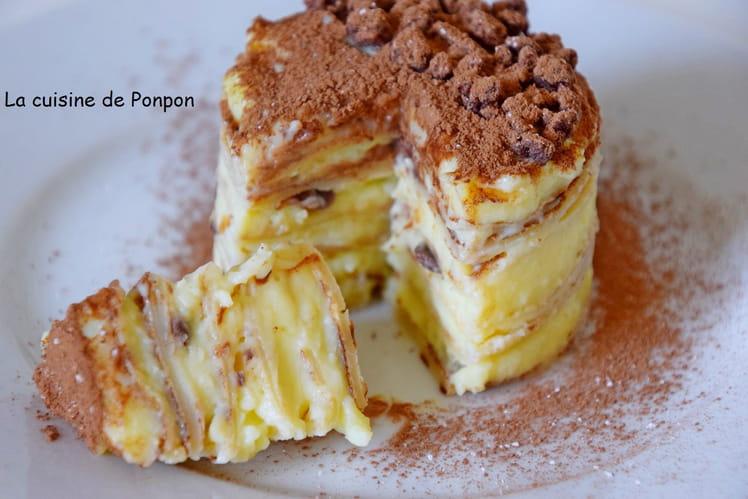 Petit gâteau de crêpes à la crème pâtissière