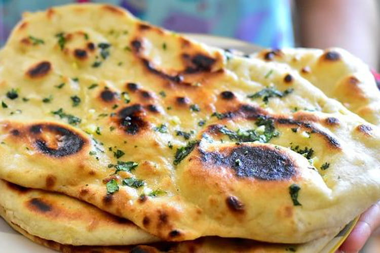Cheese garlic naans
