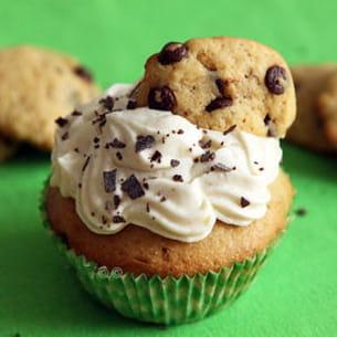 chocolat chip cookie dough cupcakes