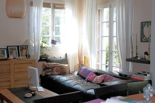 couleurs vives ou teintes naturelles. Black Bedroom Furniture Sets. Home Design Ideas