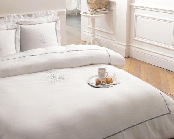 parure hashbourg de maisons du monde. Black Bedroom Furniture Sets. Home Design Ideas