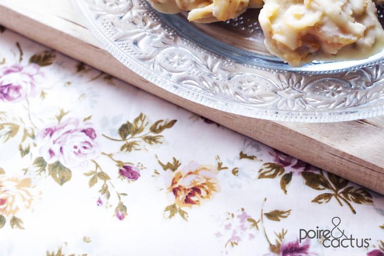 Roses des sables au chocolat blanc, abricots sec et pistaches