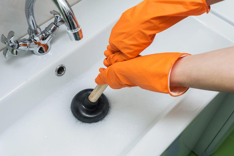 Déboucher un évier ou une canalisation naturellement