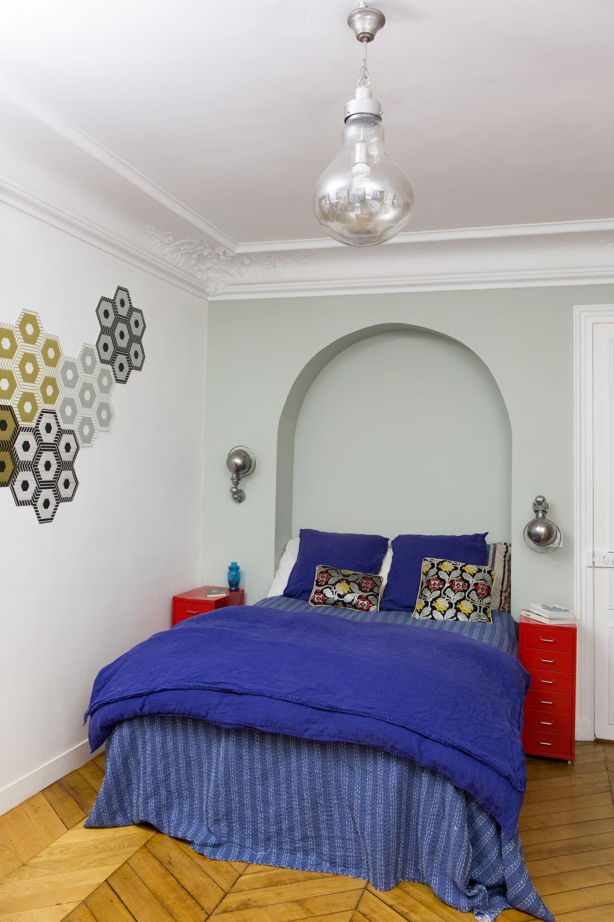 Chambre bleu violet for Chambre bleu et mauve