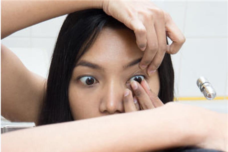 Elle perd la vue après avoir porté les mêmes lentilles pendant six mois