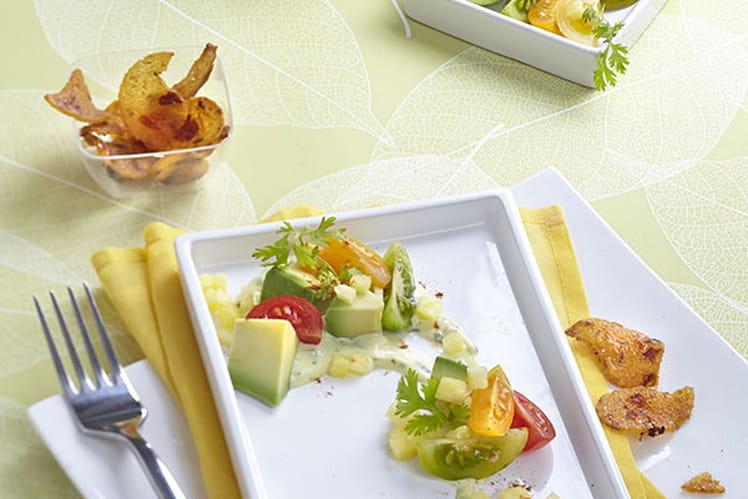 Salade exotique à l'avocat, croustillant de maïs