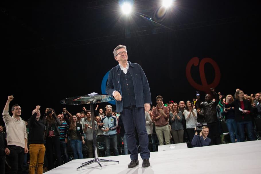 Jean-Luc Mélenchon, un dress code présidentiel cousu main