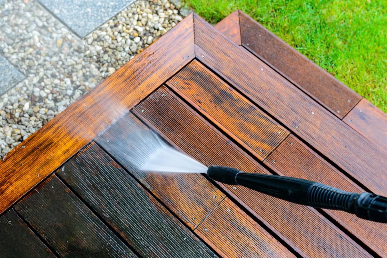 Comment entretenir sa terrasse en bois?