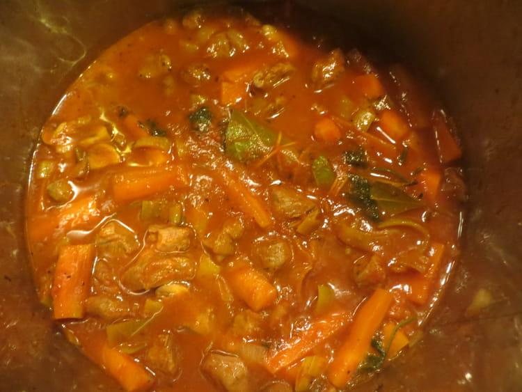 recette de rago t d 39 agneau aux carottes poireau et champignons la recette facile. Black Bedroom Furniture Sets. Home Design Ideas