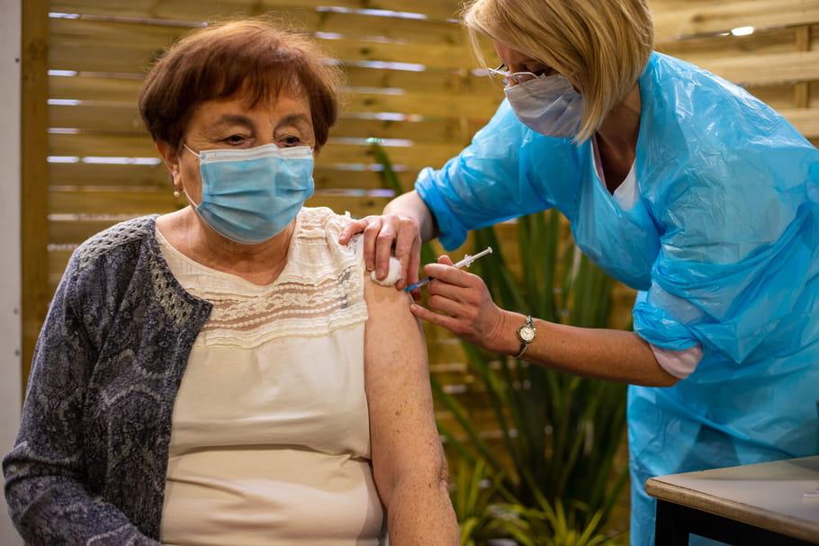 Coronavirus et personnes âgées: symptômes, âge, vaccination