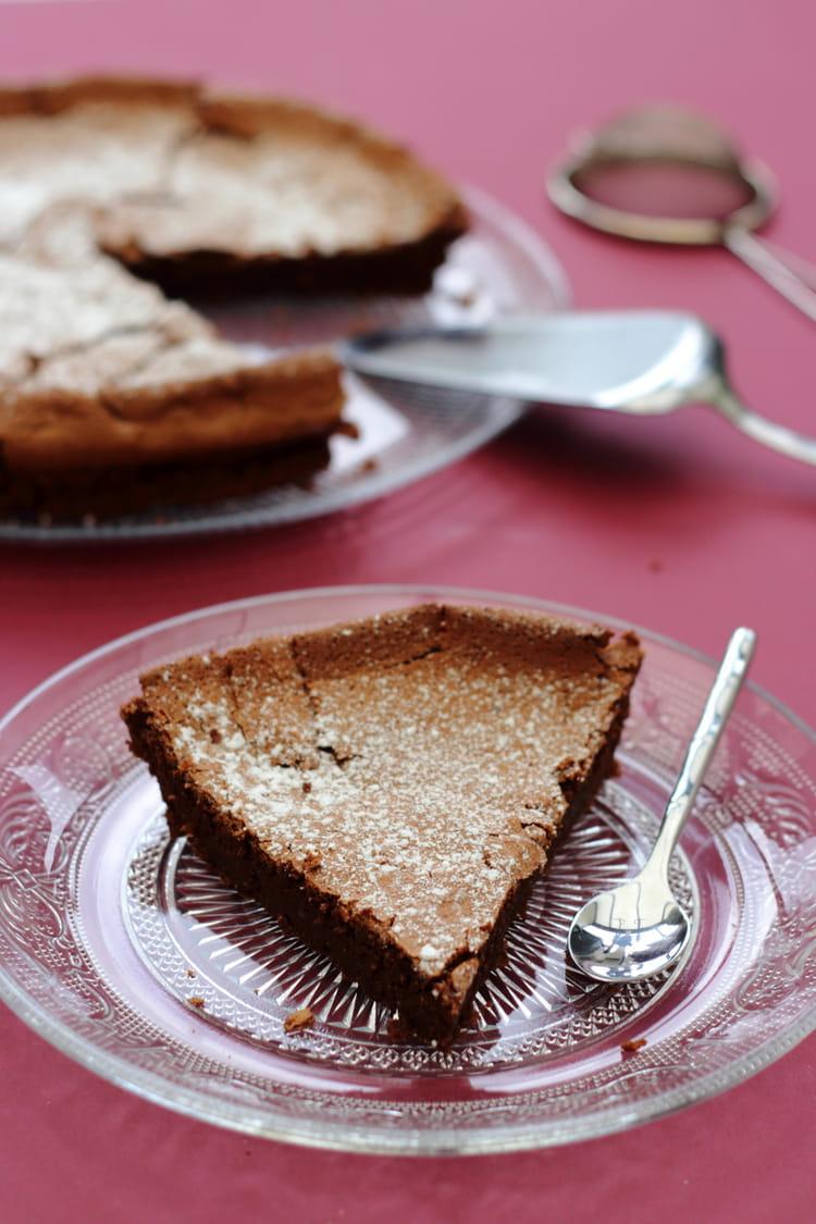 Recette de Gâteau fondant au chocolat noir et à la poudre ...