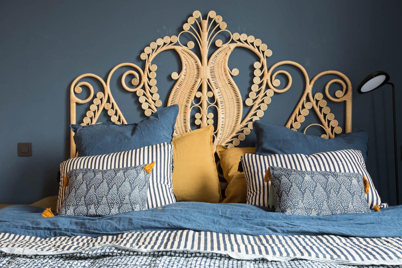 Tête de lit: bien la choisir, où la mettre et comment la fabriquer?
