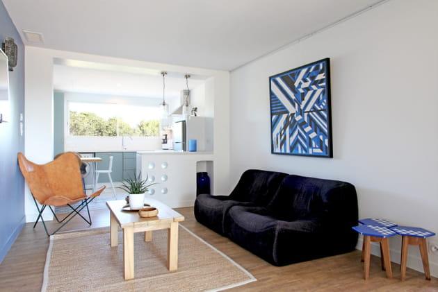 canap confortable. Black Bedroom Furniture Sets. Home Design Ideas