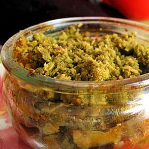 crumble de légumes d'été au pesto de basilic