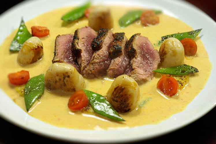 Magret de canard au curry rouge thaï