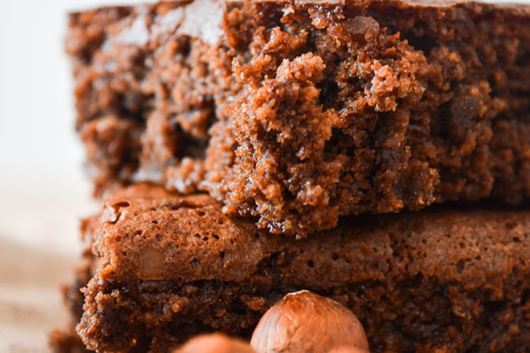 Gâteau moelleux choco-noisette