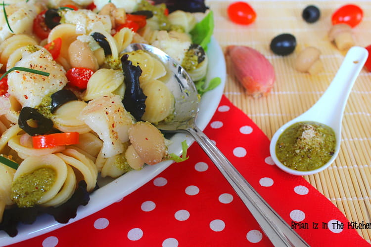 Salade d'orecchiette au cabillaud et pesto de noisette