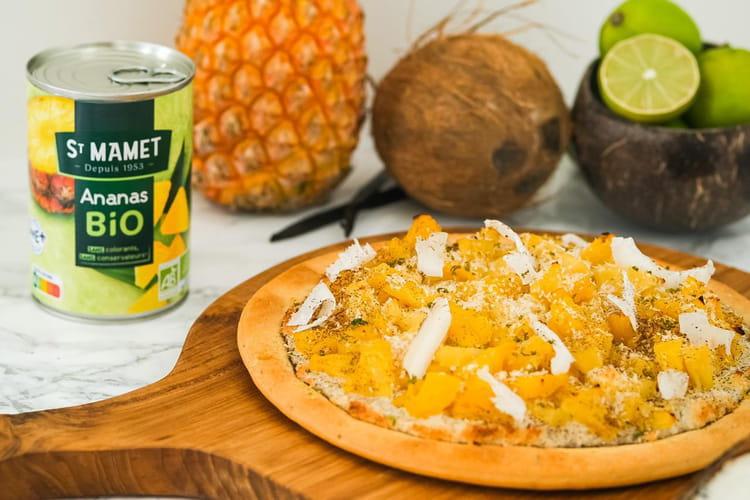 Pizza sucrée à l'ananas et crème de coco