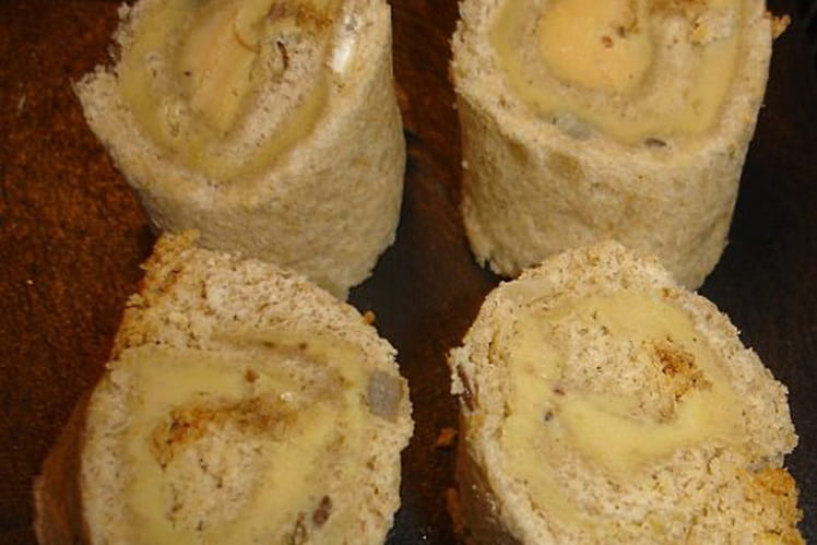 Toasts roulés foie gras et figues