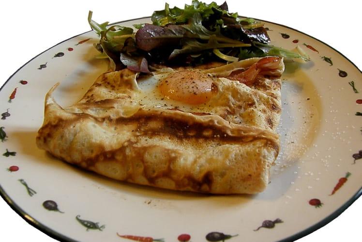 Crêpes complètes au jambon, œuf et parmesan
