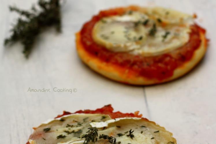 recette de petites pizzas au ch vre miel et thym la. Black Bedroom Furniture Sets. Home Design Ideas