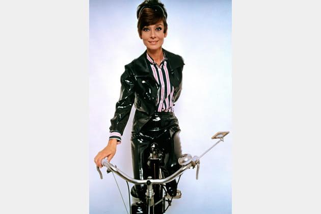 Audrey Hepburn en ensemble en vinyle