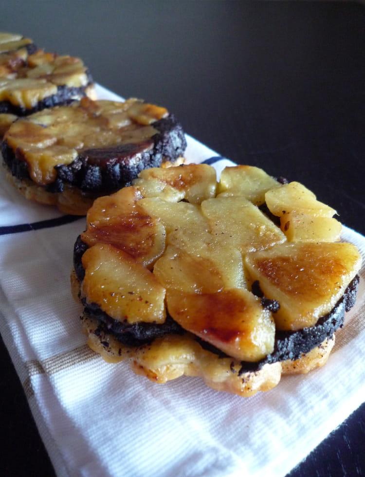 recette de tatins de boudin noir aux pommes la recette facile. Black Bedroom Furniture Sets. Home Design Ideas