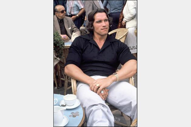 Arnold Schwarzenegger, posé pour le café