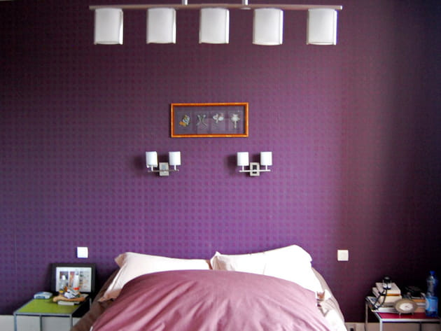 chambre violette. Black Bedroom Furniture Sets. Home Design Ideas
