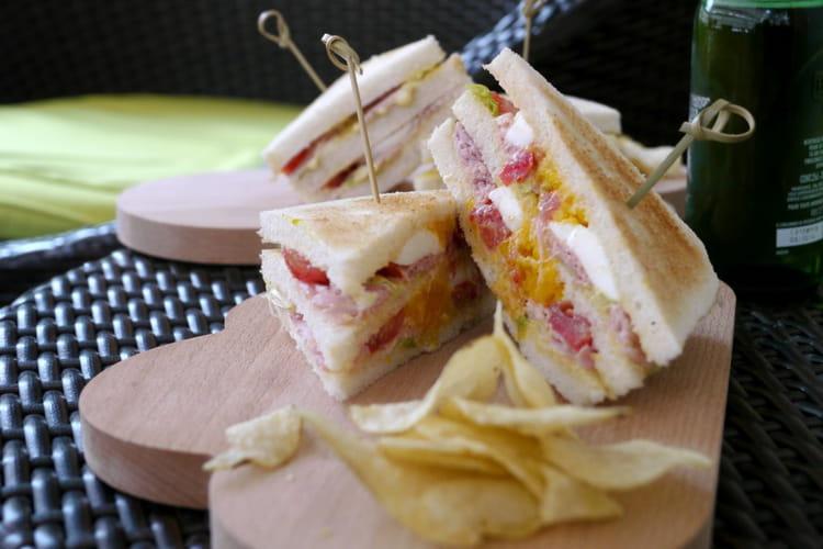 Club Sandwich bacon, jambon, oeuf