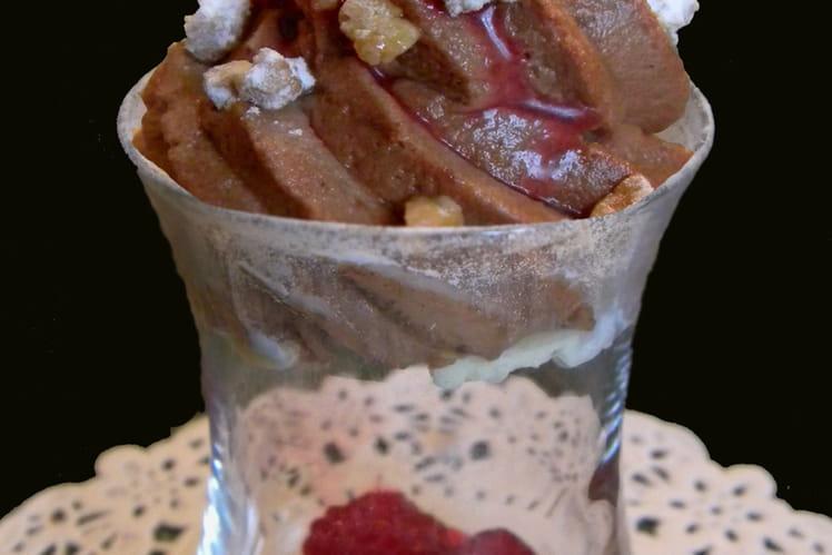 Verrine de mousse chocolat-framboise