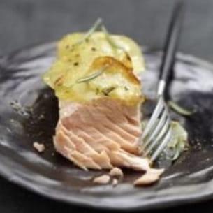 pavés de saumon écossais label rouge braisés en écailles de pomme de terre au