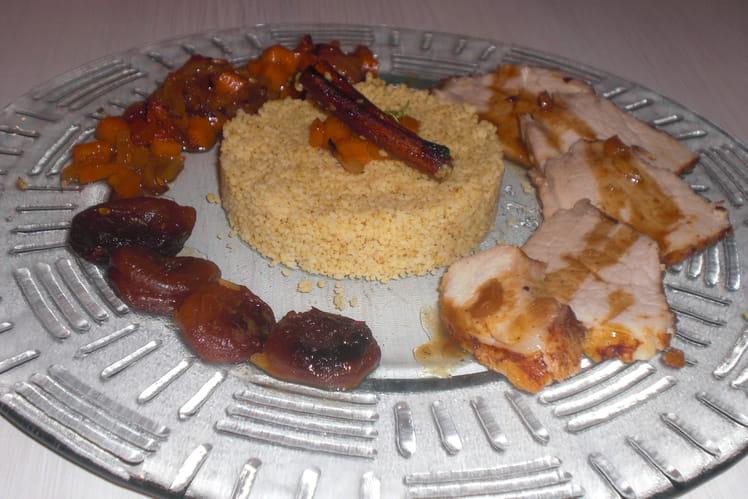 Rôti de porc aux abricots et semoule à la cannelle
