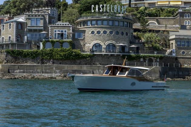 Promenades maritimes à bord du bateau de l'hôtel