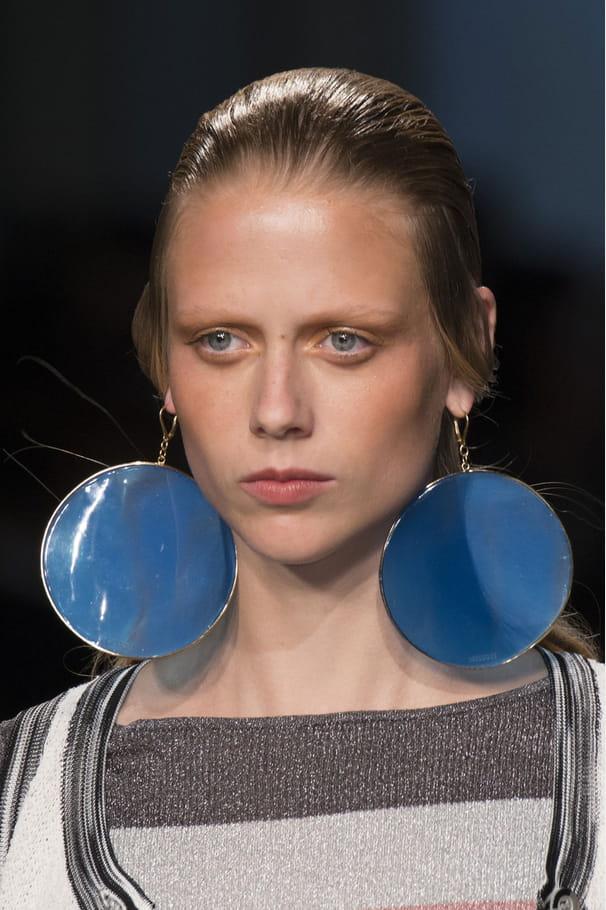 Les boucles d'oreilles rondes oversize du défilé Missoni