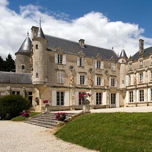le château de terre-neuve où georges simenon habitat.