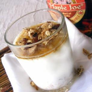 yaourts au muesli et sirop d'érable